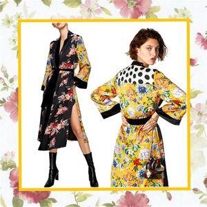 Unique Styles robe